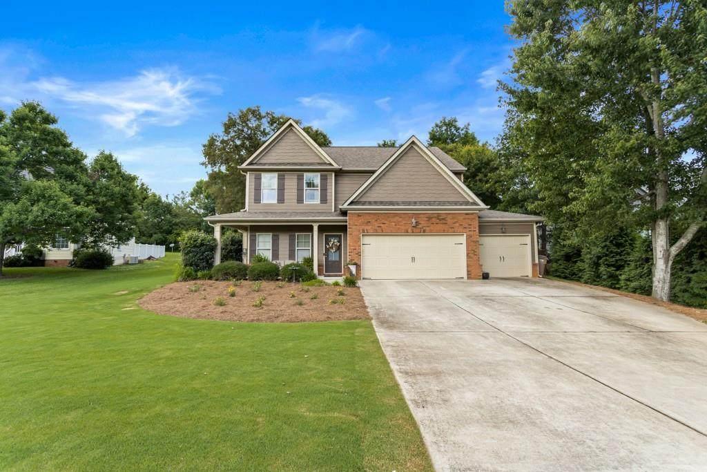 4053 Fieldstone Drive - Photo 1