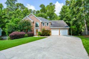 1184 Larson Lane SW, Marietta, GA 30064 (MLS #6916146) :: North Atlanta Home Team