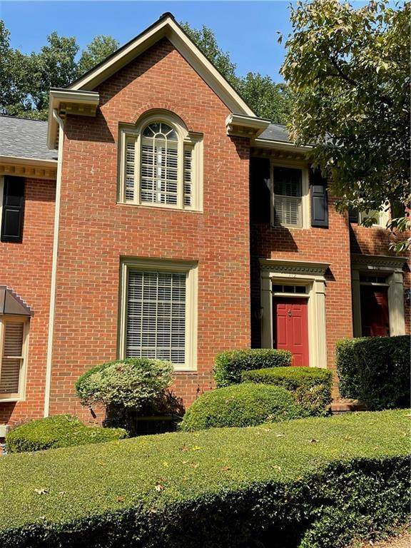 112 Weatherburne Drive, Roswell, GA 30076 (MLS #6943281) :: North Atlanta Home Team