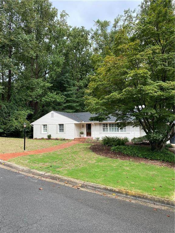 820 Glenwood Drive, Gainesville, GA 30501 (MLS #6947422) :: North Atlanta Home Team