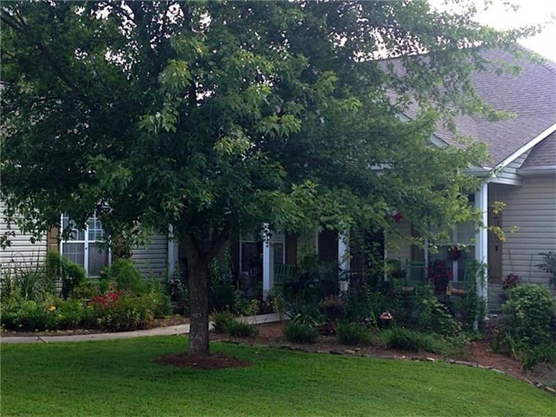 150 Lakeridge Drive, Dallas, GA 30132 (MLS #5641051) :: North Atlanta Home Team