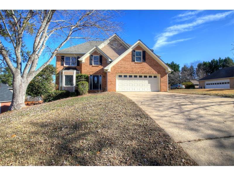 125 Glenclairn Court, Roswell, GA 30076 (MLS #5760496) :: North Atlanta Home Team