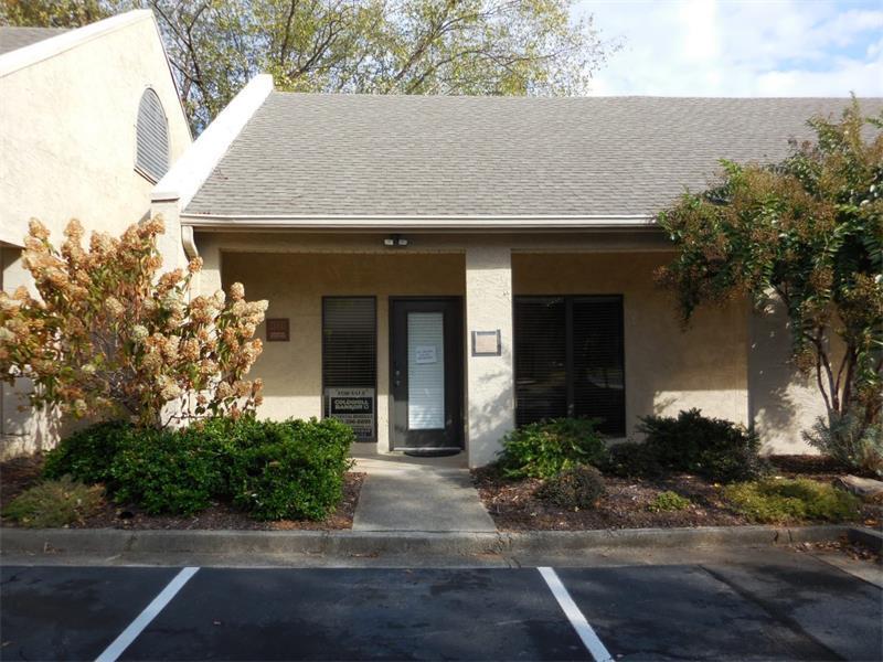 1170 Grimes Bridge Road, Roswell, GA 30075 (MLS #5763294) :: North Atlanta Home Team