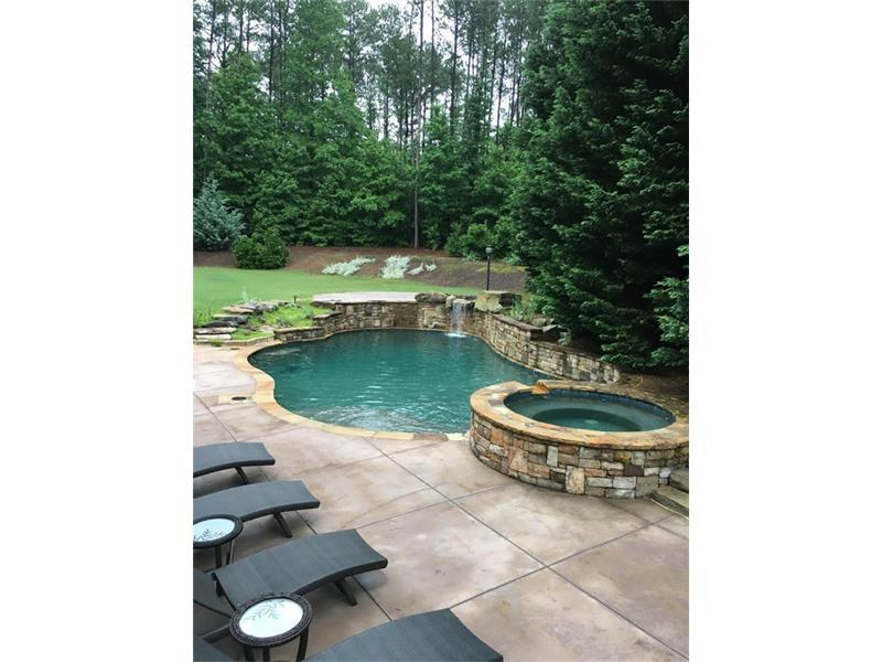 825 Barberry Drive, Alpharetta, GA 30004 (MLS #5790130) :: Carrington Real Estate Services