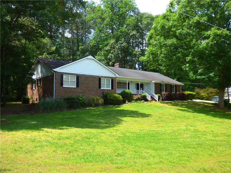 2533 River Knoll Drive SW, Lilburn, GA 30047 (MLS #5805530) :: Carrington Real Estate Services