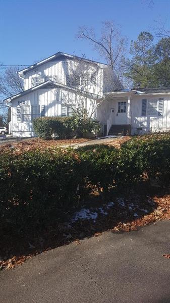 2251 Roswell Road, Marietta, GA 30062 (MLS #5952597) :: North Atlanta Home Team