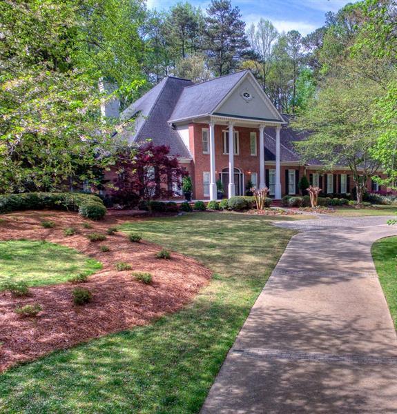 630 Heards Ferry Road, Atlanta, GA 30328 (MLS #5984345) :: RE/MAX Paramount Properties