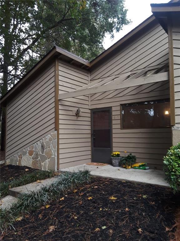 816 SE Bonnie Glen Drive SE, Marietta, GA 30067 (MLS #6089610) :: The Cowan Connection Team