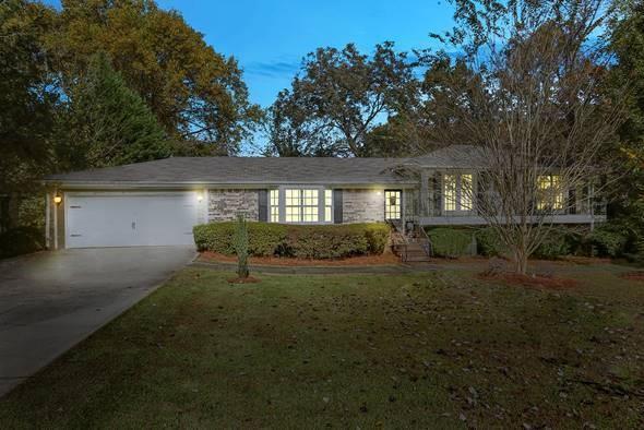 1741 Sierra Drive, Marietta, GA 30062 (MLS #6097532) :: North Atlanta Home Team
