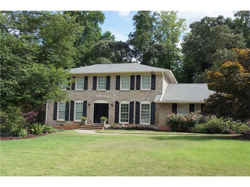 1303 Holly Bank Circle, Dunwoody, GA 30338 (MLS #5723672) :: North Atlanta Home Team
