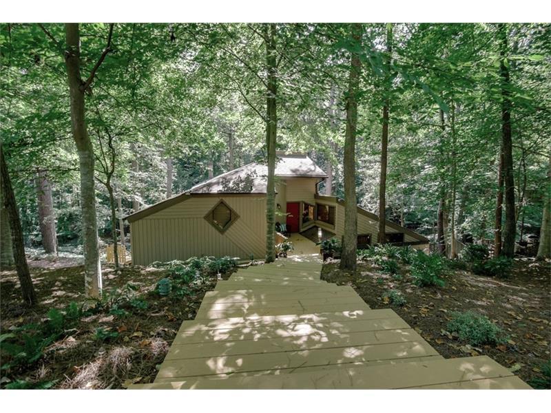 102 Lakeshore Drive NE, Marietta, GA 30067 (MLS #5759126) :: North Atlanta Home Team