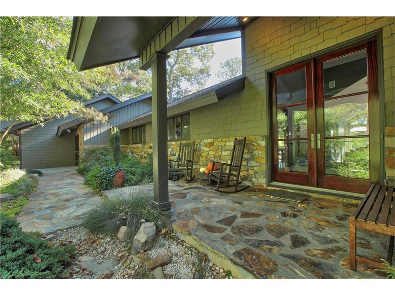 800 Mountain Creek Trace NE, Sandy Springs, GA 30328 (MLS #5759151) :: North Atlanta Home Team