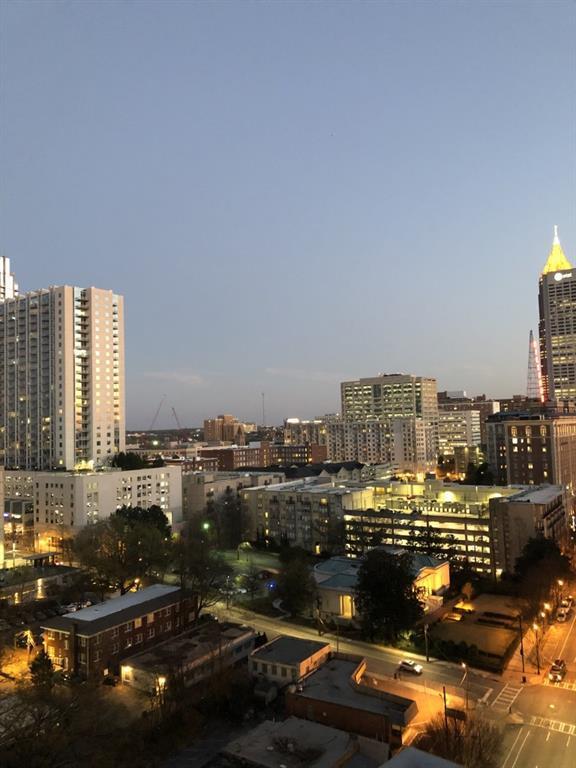 950 W Peachtree Street NW #1711, Atlanta, GA 30309 (MLS #6125214) :: The Hinsons - Mike Hinson & Harriet Hinson