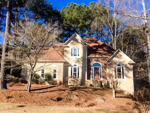 1027 Longwood Drive, Woodstock, GA 30189 (MLS #6617697) :: Charlie Ballard Real Estate