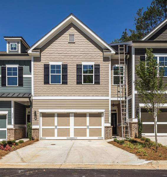 5724 Taylor Way #5, Sandy Springs, GA 30328 (MLS #5939033) :: RCM Brokers