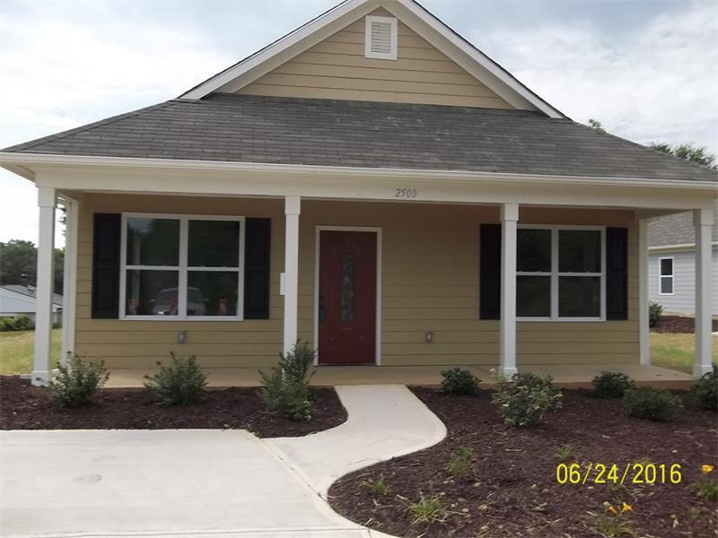 2500 Mlk Jr Boulevard, Gainesville, GA 30503 (MLS #5628596) :: North Atlanta Home Team