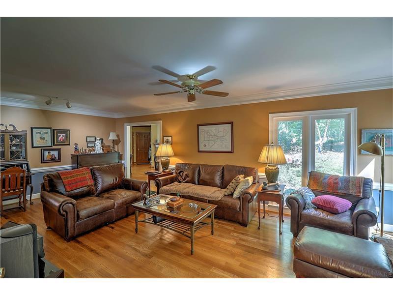 200 Lyme Court, Roswell, GA 30075 (MLS #5752018) :: North Atlanta Home Team