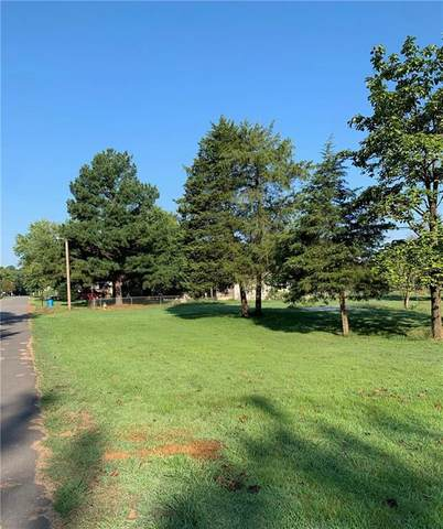 315 Lakeview Drive, Spiro, OK 74959 (MLS #1029272) :: Hometown Home & Ranch
