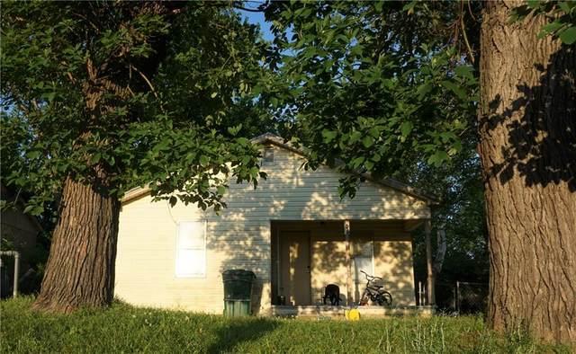 406 N Ash Street, Sallisaw, OK 74955 (MLS #1032880) :: Hometown Home & Ranch