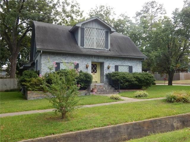 307 W Avenue D, Heavener, OK 74937 (MLS #1036464) :: Hometown Home & Ranch