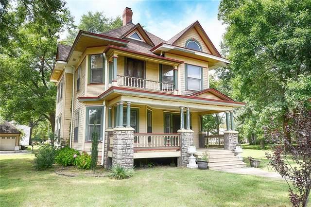 321 Wheeler Avenue, Sallisaw, OK 74955 (MLS #1038228) :: Hometown Home & Ranch