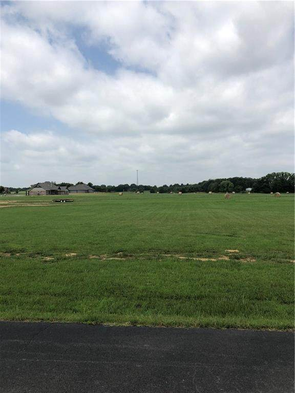 TBD Whispering Winds, Muldrow, OK 74948 (MLS #1035046) :: Hometown Home & Ranch