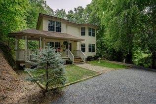 346 Bell Street, Whittier, NC 28789 (MLS #26019862) :: Old Town Brokers