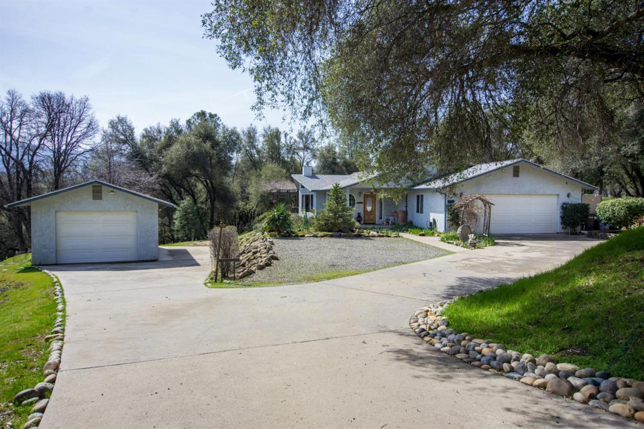 40298 Five Oaks Circle - Photo 1