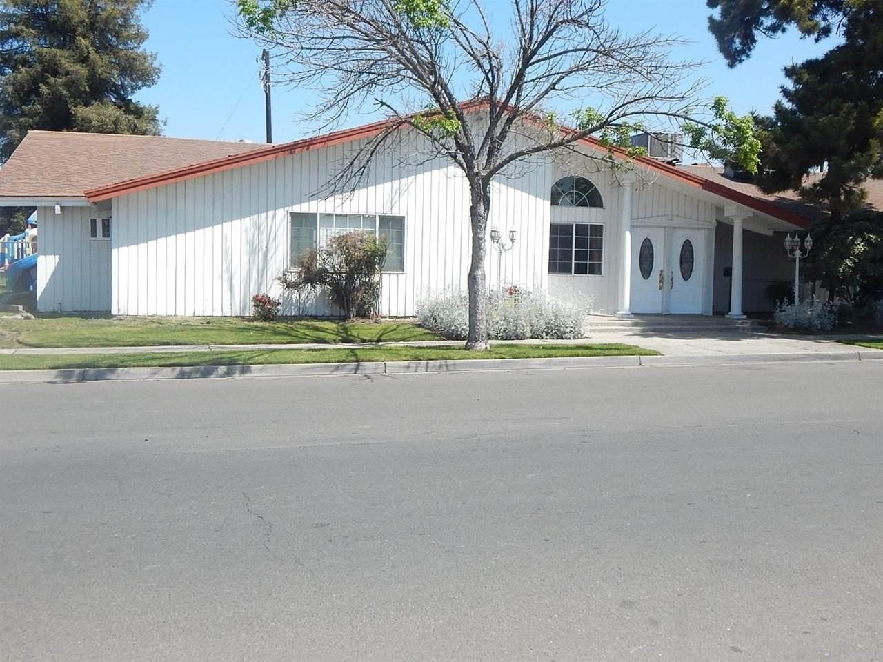403 Clovis Avenue - Photo 1