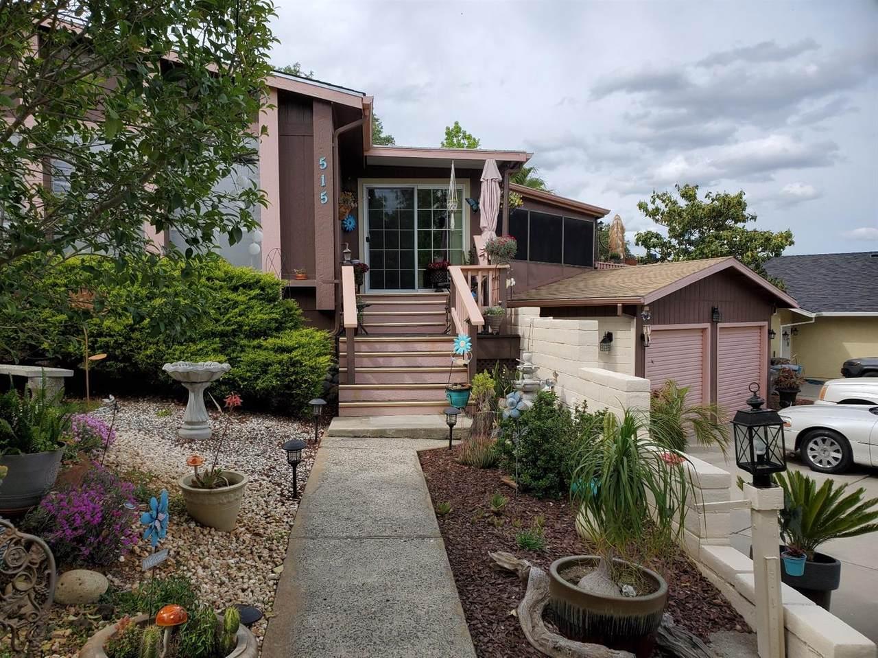 515 Lodgeview Drive - Photo 1