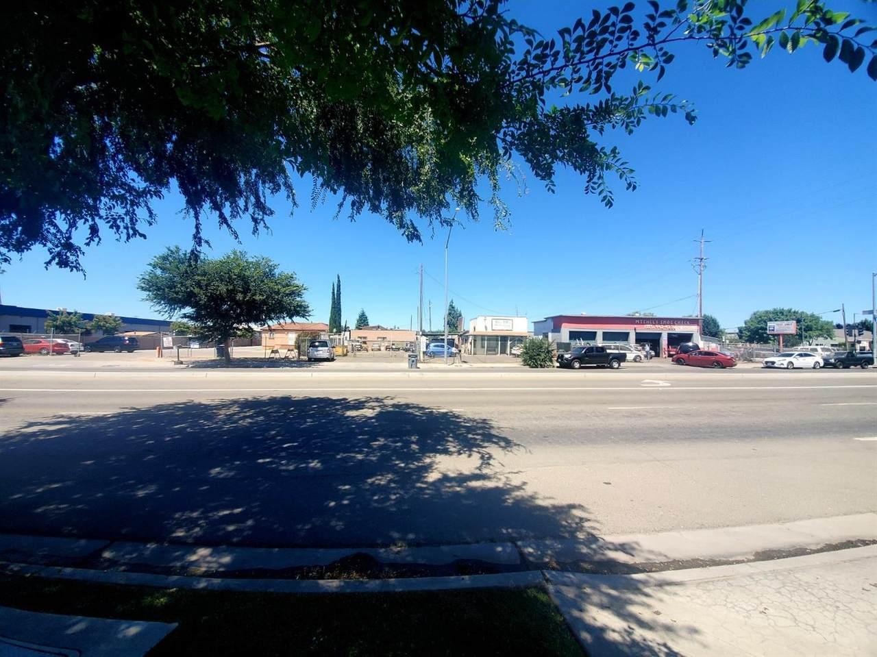 2810 Elm Avenue - Photo 1