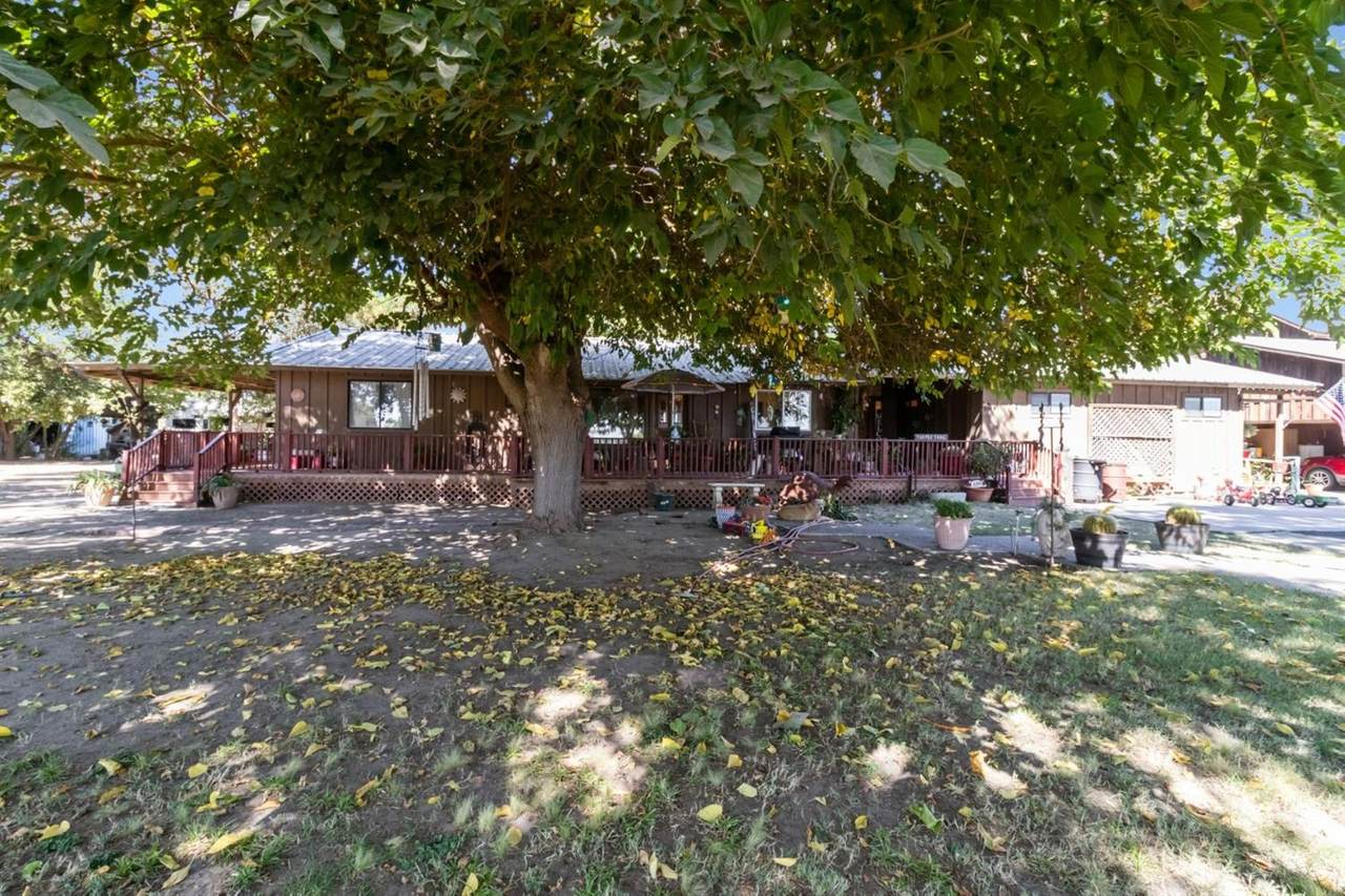 16194 Bryant Avenue - Photo 1