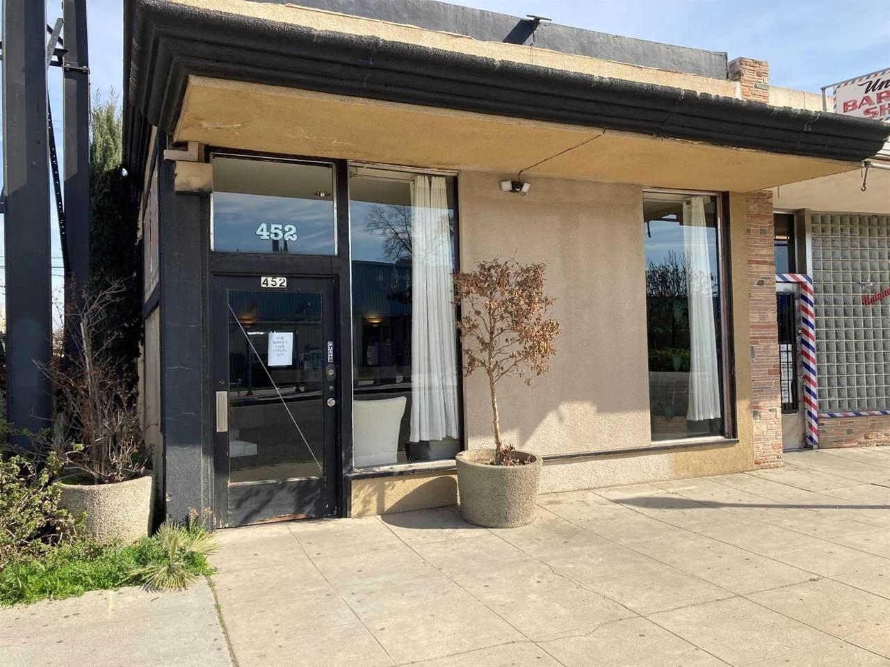 452 Blackstone Avenue - Photo 1