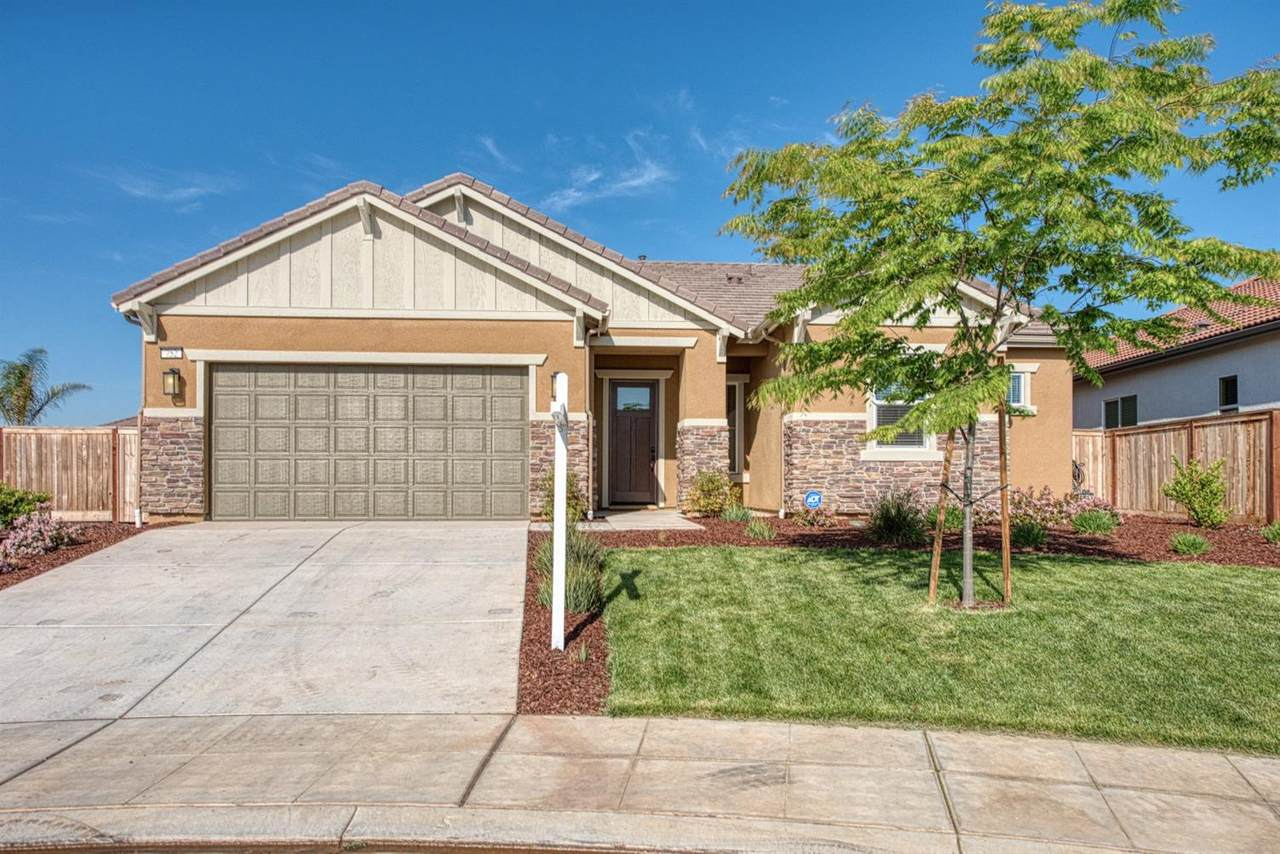 752 Forester Lane - Photo 1