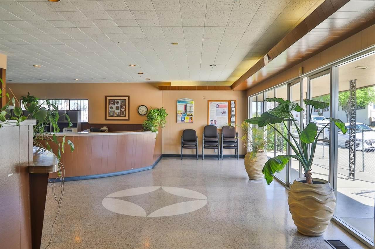324 Gateway Drive - Photo 1