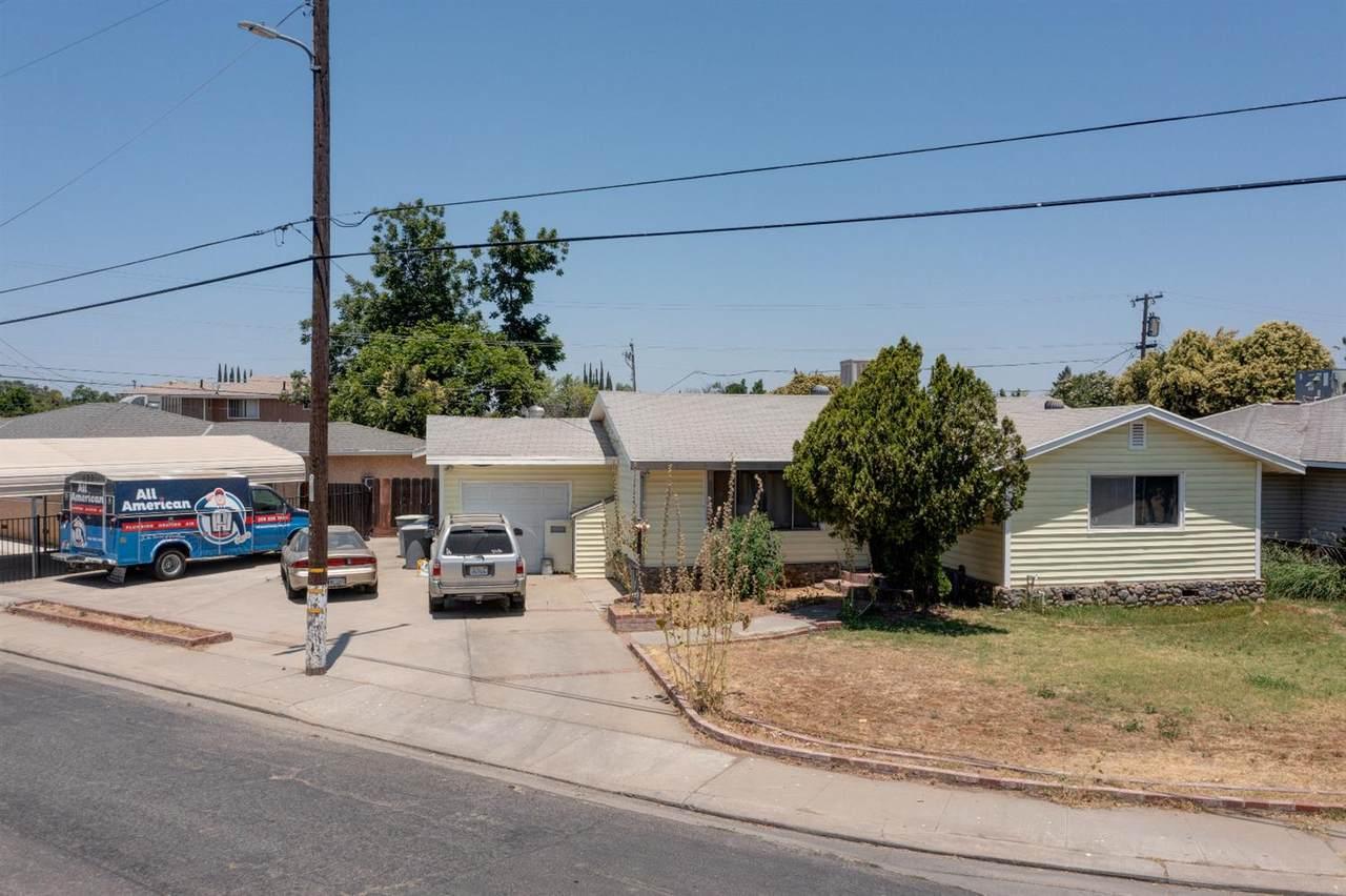 2481 Ballantyne Drive - Photo 1