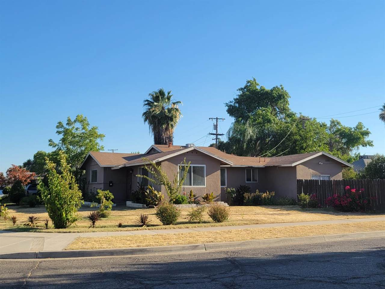 3949 Sequoia Avenue - Photo 1