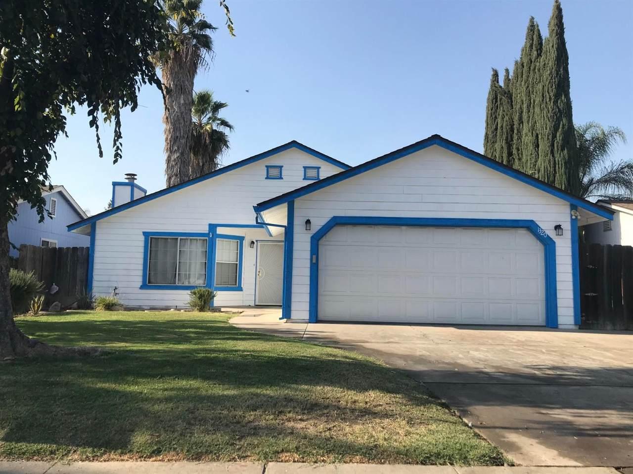 1320 Ventura Avenue - Photo 1