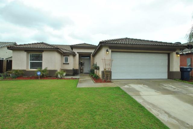 1028 N A Street, Tulare, CA 93274 (#475628) :: FresYes Realty