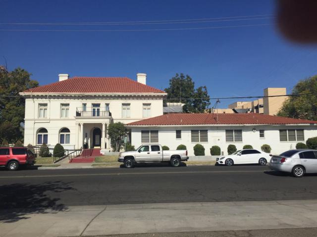 2201 Calaveras Street, Fresno, CA 93721 (#476424) :: FresYes Realty
