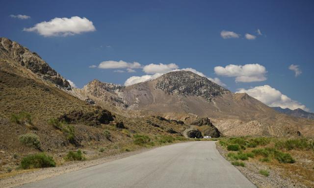 0 Jawbone Canyon Road, Tehachapi, CA 93505 (#483233) :: FresYes Realty