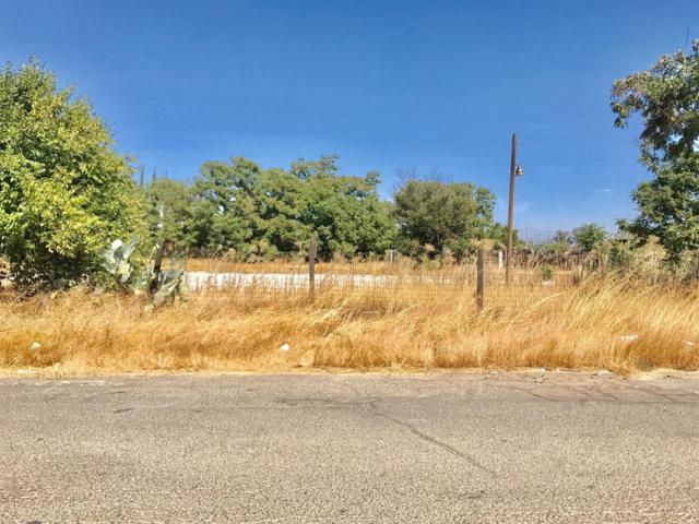 787 W Clark Street, Madera, CA 93638 (#490079) :: Raymer Team Real Estate