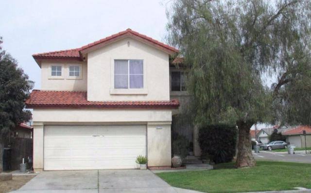 4226 W Weldon Avenue, Fresno, CA 93722 (#490165) :: Raymer Team Real Estate