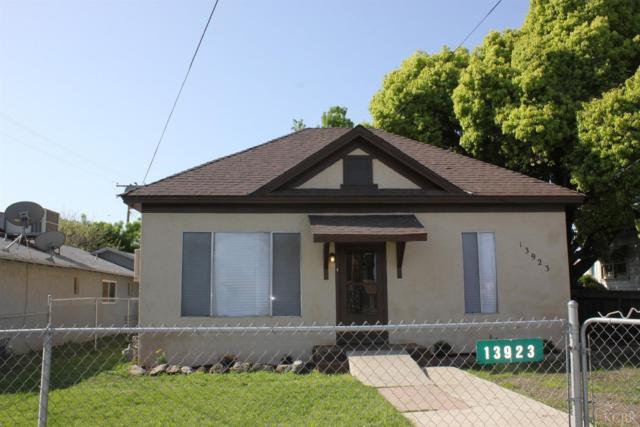13923 Locust Avenue, Armona, CA 93202 (#490446) :: FresYes Realty