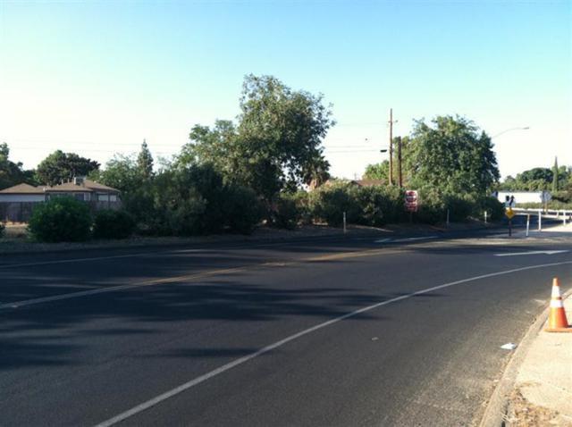 1 Sierra Avenue, Tulare, CA 93274 (#494950) :: FresYes Realty