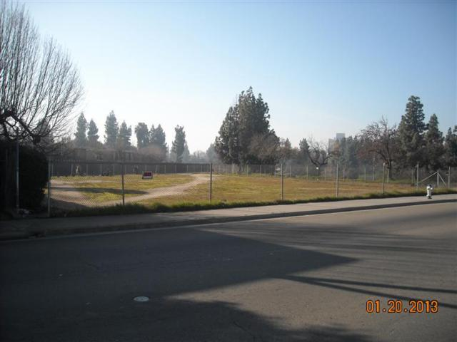 2948 E Tulare Avenue, Fresno, CA 93721 (#495567) :: FresYes Realty