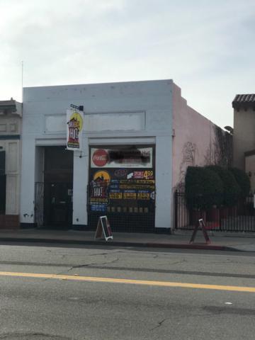915 Van Ness Avenue, Fresno, CA 93721 (#495736) :: FresYes Realty