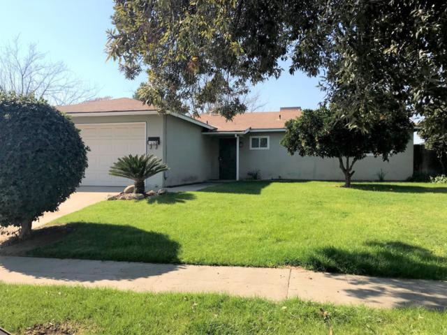 4605 N Hazel Avenue, Fresno, CA 93722 (#497464) :: FresYes Realty