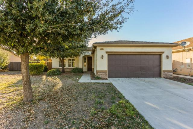 2190 S Playa Avenue, Fresno, CA 93727 (#497562) :: Raymer Realty Group
