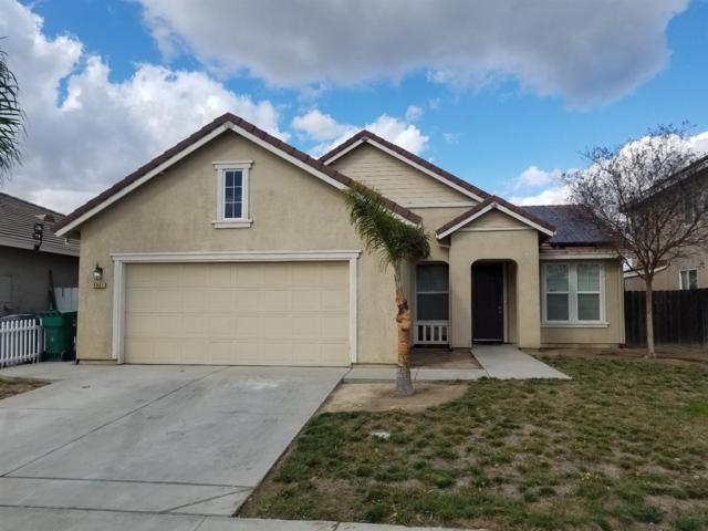 1061 Stanford Avenue, Madera, CA 93637 (#497744) :: Raymer Realty Group